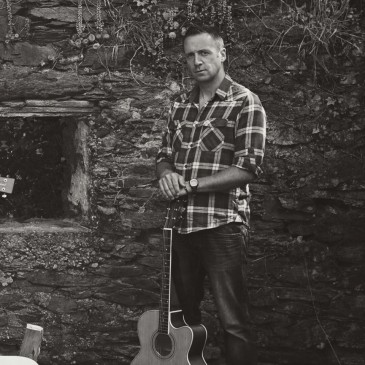 Pa Curran Album & Single Fundit Campaign
